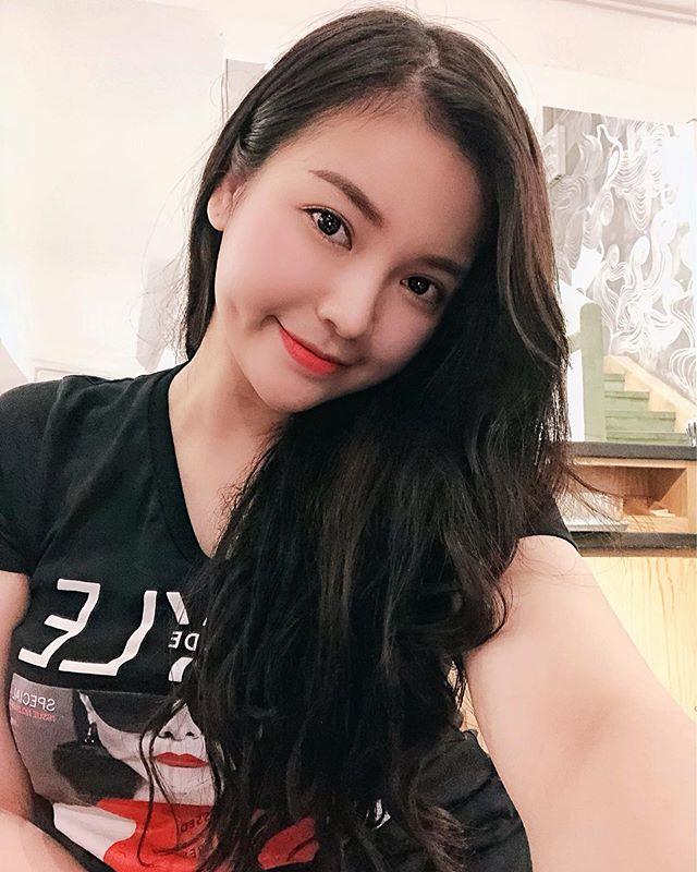 白净越南小姊姊Nhung Pham