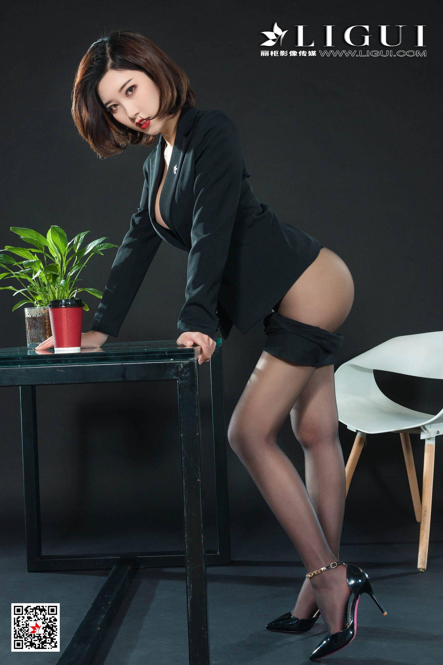 丽柜LIGUI第一美女筱筱写真+与雪糕直播