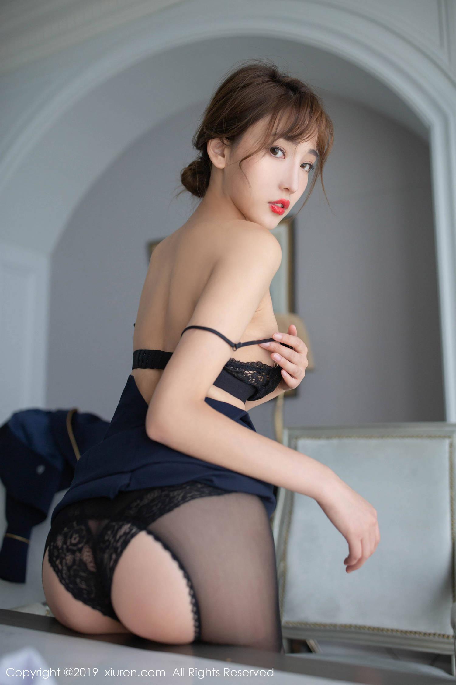 陆萱萱的17套写真合集 1300P 2.91G